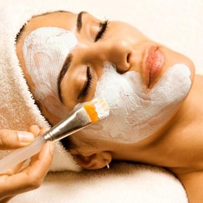 Tratamiento facial intenso con multivitaminas