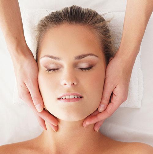 Higiene Facial Esencial en Naruaqua - Madrid