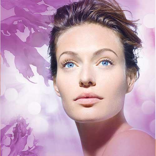 Tratamiento facial intenso con parches de ácido hialurónico
